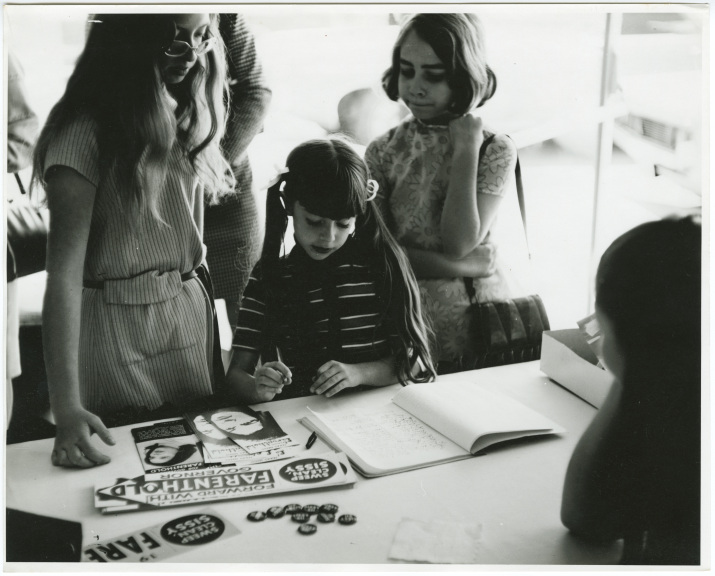Young Farenthold supporters at a campaign event during her 1972 gubernatorial campaign.
