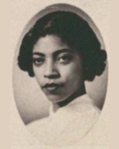 Gloria Bradford in her 1954 Senior Law Composite. Courtesy of the Tarlton Law Library, The University of Texas at Austin.