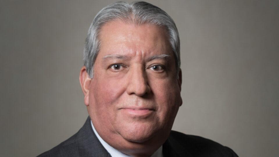 Head shot of Robert Estrada
